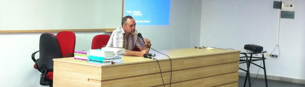 Santiago Rex Bliss presentando el libro de su autoría: Batalla de Tucumán 1812-2012. Libro conmemorativo.